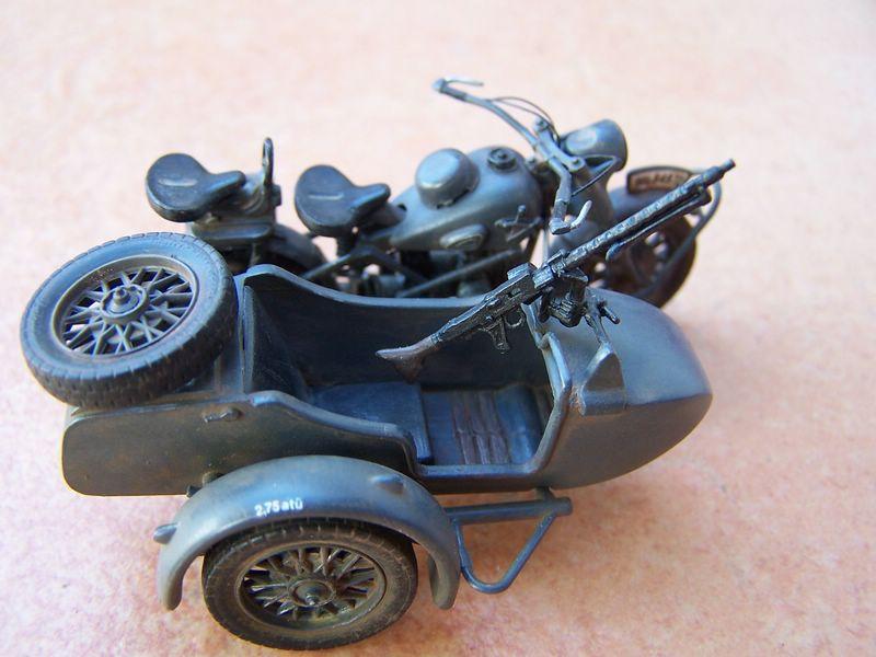 Maqueta moto militar BMW R75