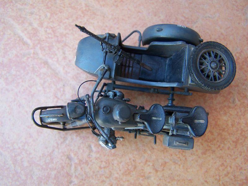Maqueta moto militar