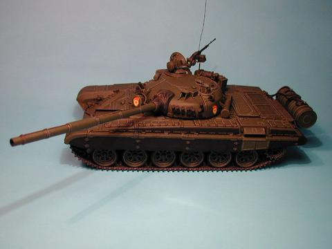 Maqueta Tamiya T-72 06